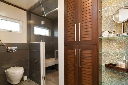 Bath Fixer - Transom Windows